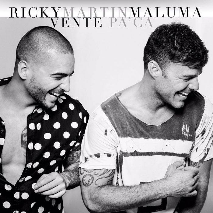 Maluma y Ricky Martin posando.