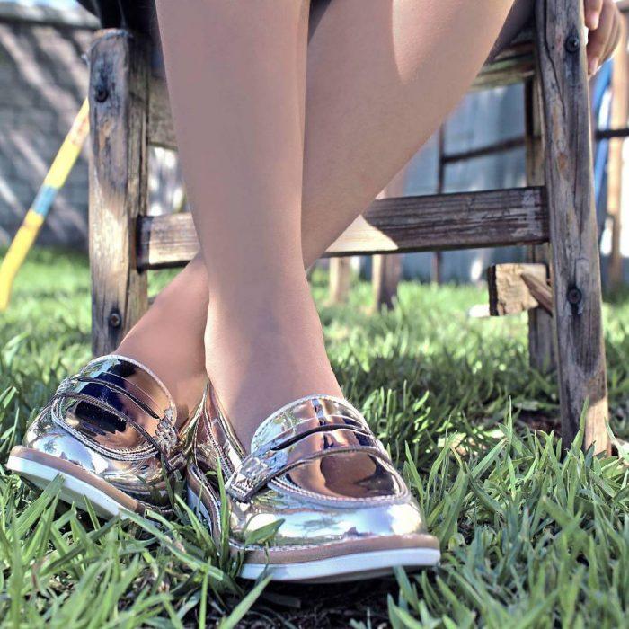 zapatos metálicos