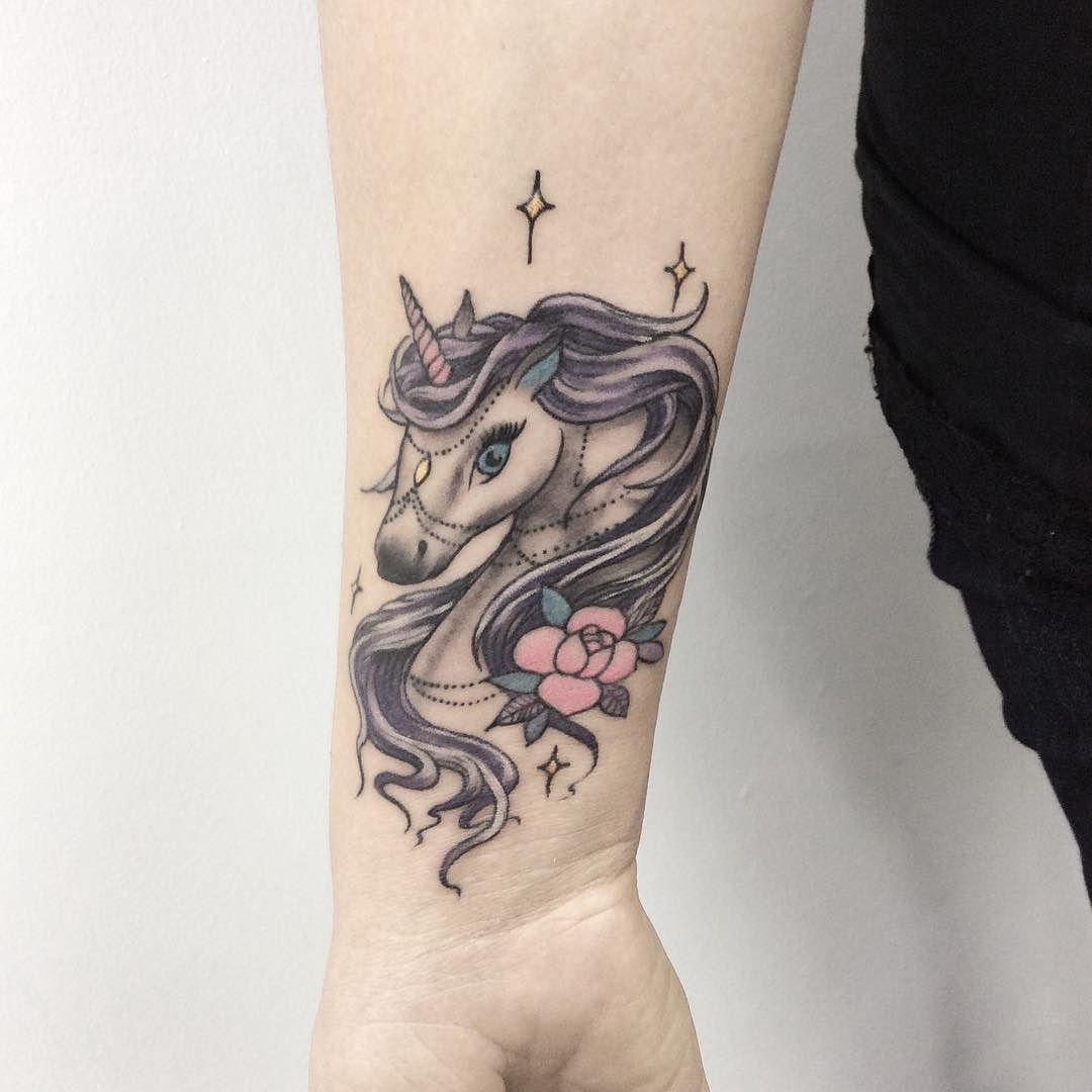 25 tatuajes de unicornios que querr s hacerte hoy mismo - Tatuajes de pared ...