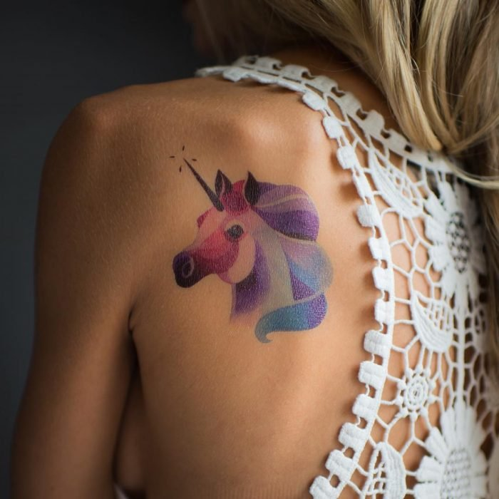 tatuaje unicornio