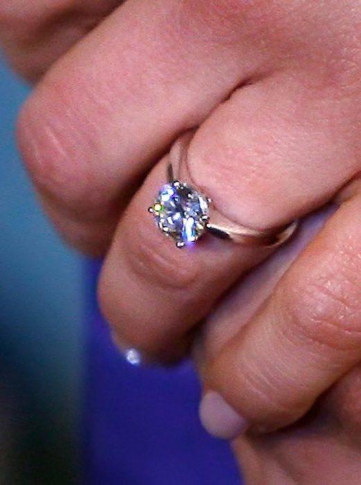 anillo de compromiso princesa Victoria de Suecia