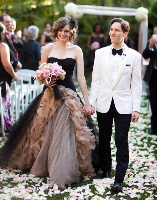 20 vestidos de novia que demuestran la belleza del estilo deslavado