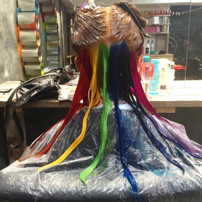 Cabello arcoiris oculto (5)