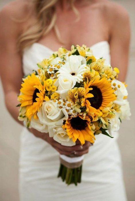 ramo de novia flores amarillas