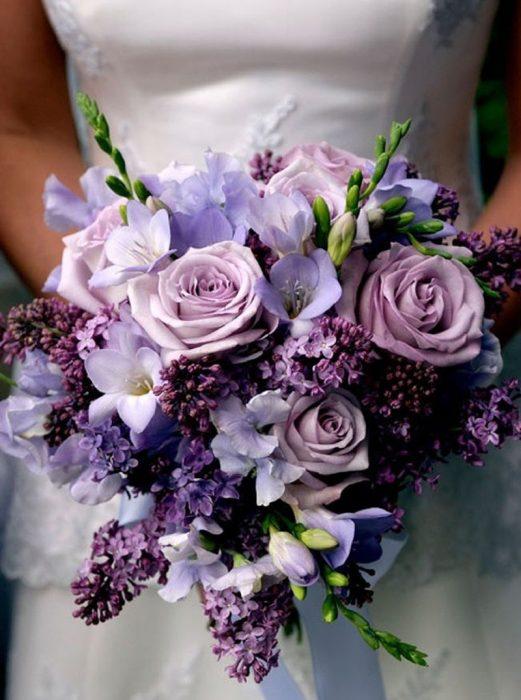 ramo de novia flores moradas