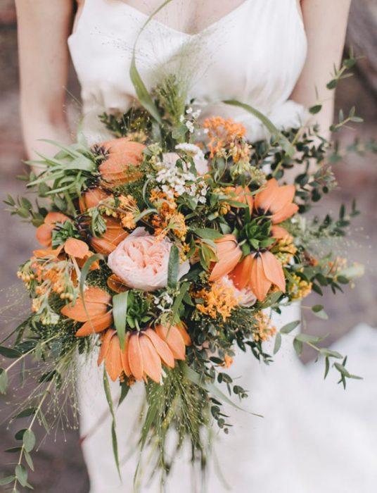 ramo de novia flores naranja