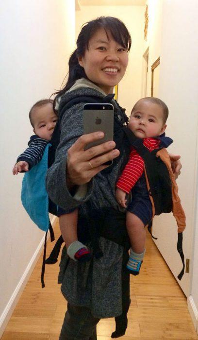 Hein Koh con sus hijos gemelos