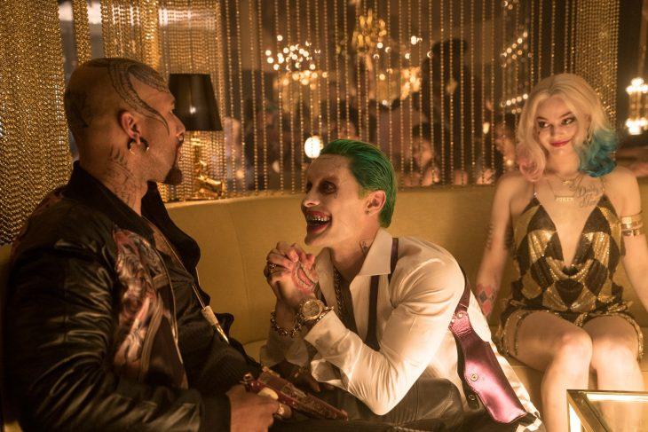 Harley y Joker en el bar.