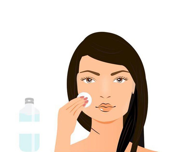 Ilustración de mujer aplicando un tónico.