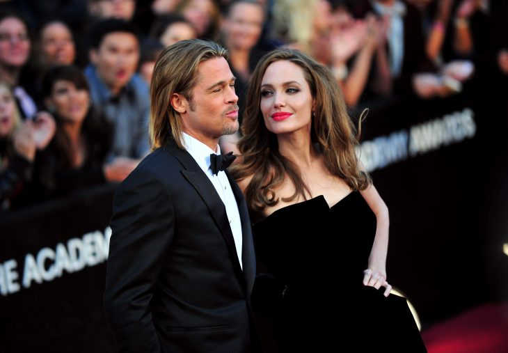 Angelina Jolie y Brad Pitt en alfombra roja.