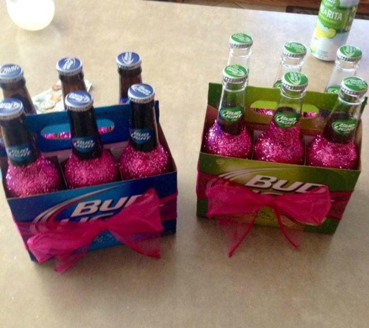 six de cerveza con diamantina rosa