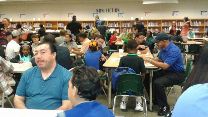 Festival del día de las donas en la escuela de Texas, Estados Unidos
