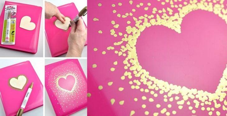 Libro decorado de corazón.