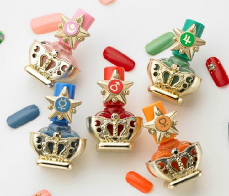 esmaltes de sailor moon de diferentes colores