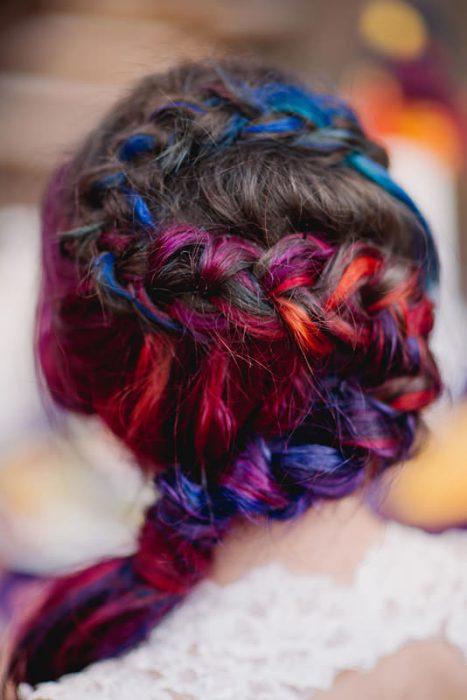 El cabello de la novia lució así.