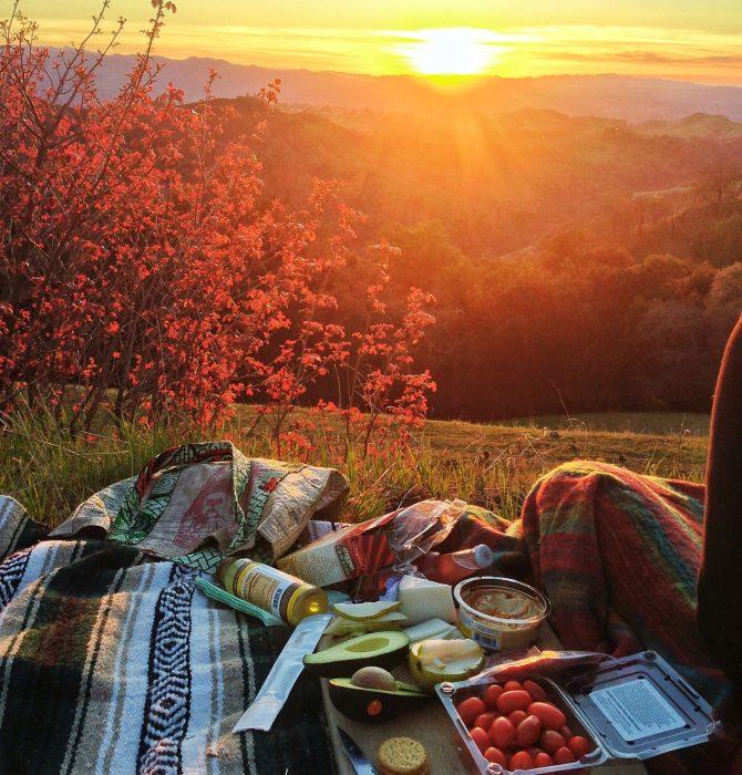 dia de campo en atardecer de otoño