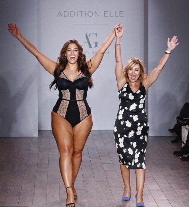 Ashley presentando su línea de ropa en Nueva York.