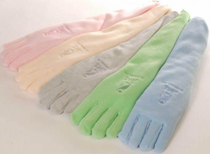 guantes de diferentes colores pastel