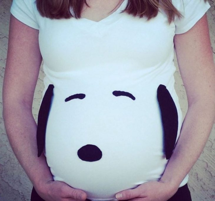 snoopy shirt and pregnant woman