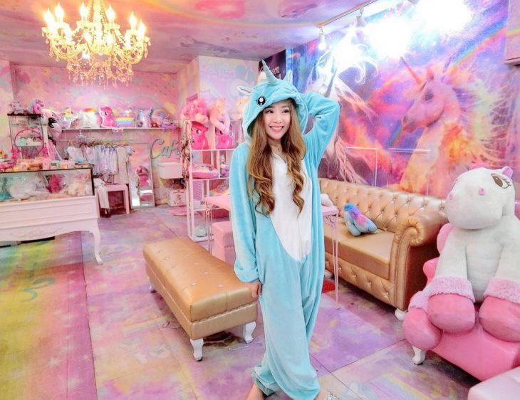 Unicorn Cafe.