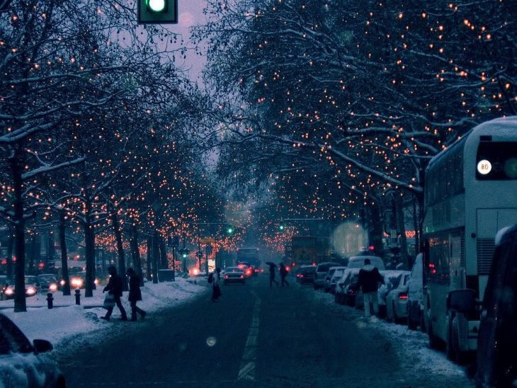 Clima de invierno con luces.
