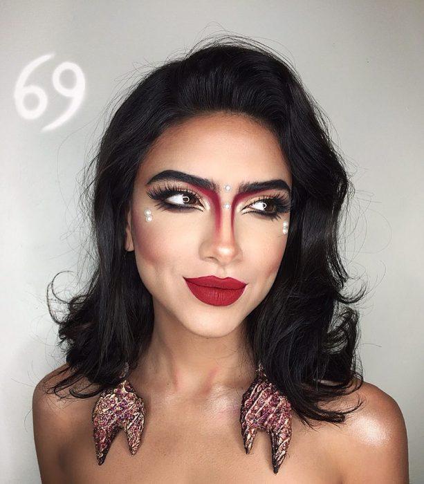 mujer con maquillaje de cancer