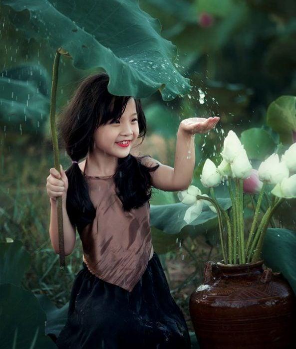 girl with big leaf head