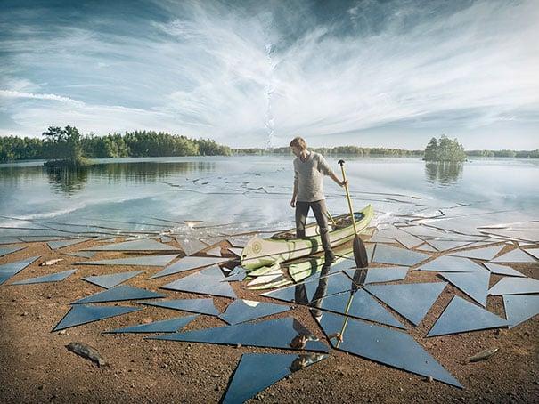 hombre en lago de espejo