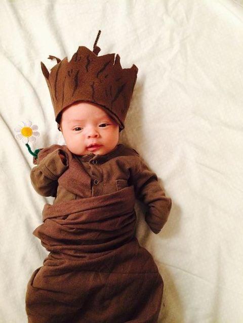 bebé disfrazado de Groot