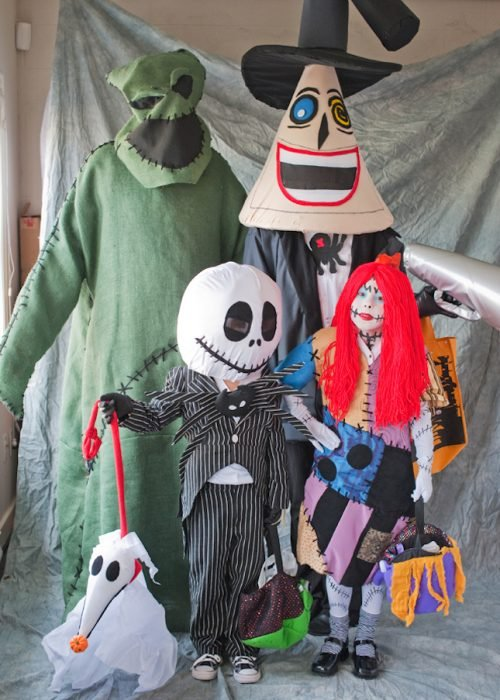 familia disfrazada de nightmare before christmas