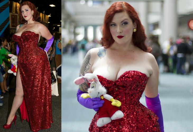 mujer con disfraz de jessica rabbit