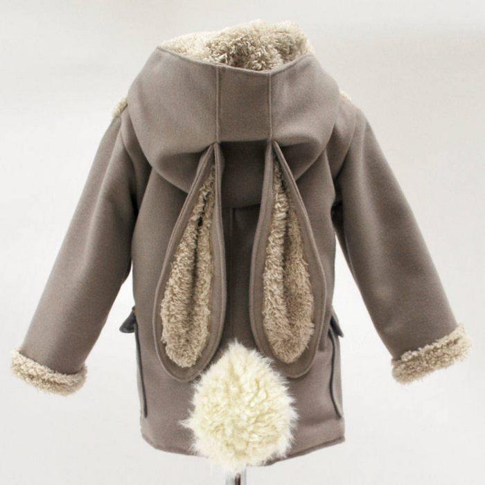 Abrigo en forma de conejito
