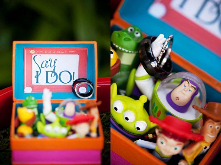 muñecos de toy story con anillo de compromiso