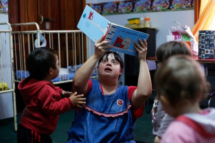 maestra de preescolar argentina con síndrome de down
