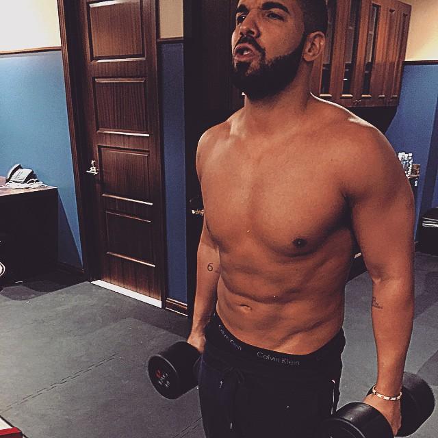 Drake haciendo ejercicio