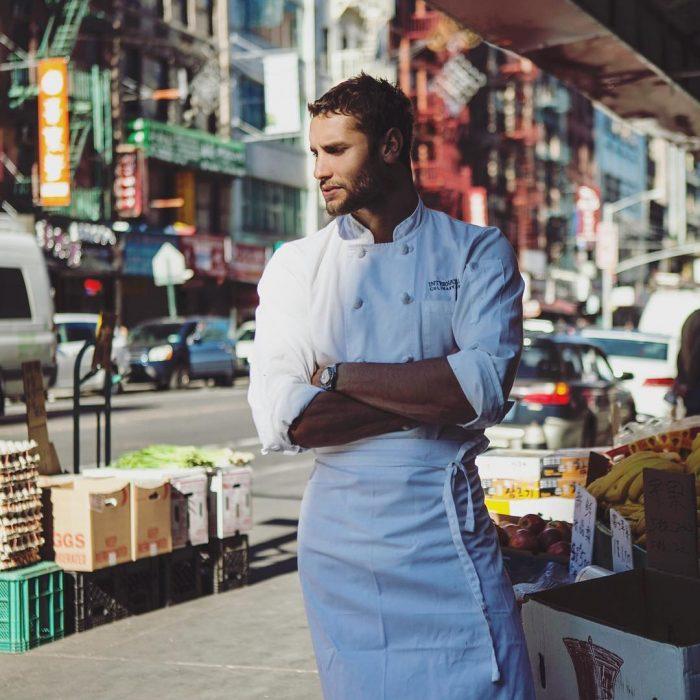 Franco Noriega vestido de Chef