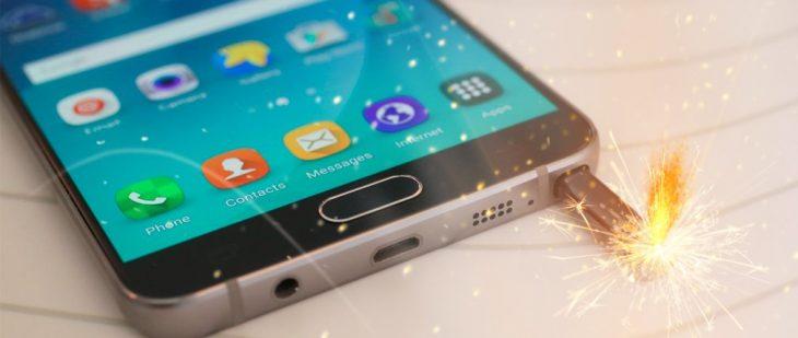 Galaxy Note 7 con cordón encendido