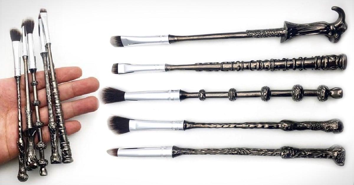 ¡Por fin! Paleta de sombras y kit de brochas en forma de varitas, son la nueva linea de cosméticos inspirados en Harry Potter