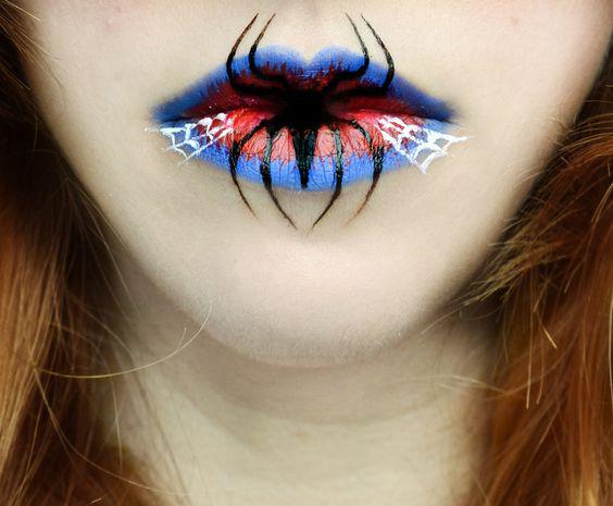 Labios con una araña en el centro.