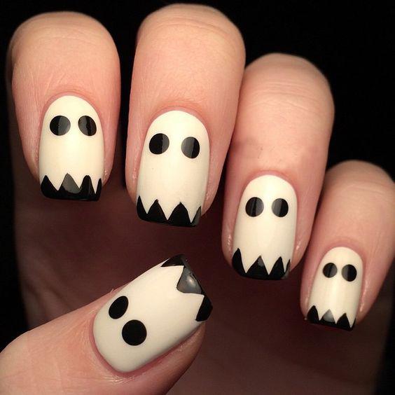Uñas de fantasmas.