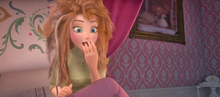 Princesa Ana de la película Frozen, despeinada.