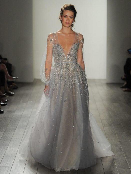 Diseño de vestido de novia de Haley Paige.