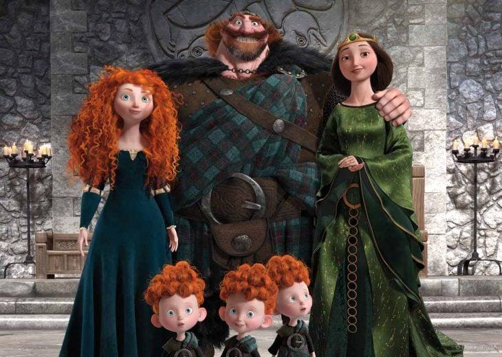 familia chica pelirroja, niños madre y padre