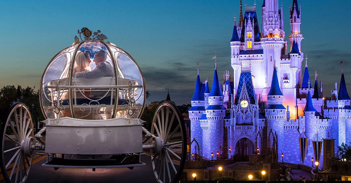Por primera vez, los enamorados pueden jurarse amor en el mundo mágico de Disney, de noche.