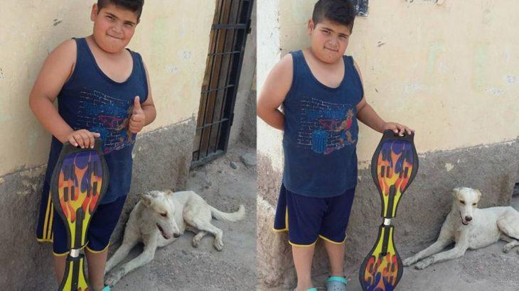 Niño que vendía su patineta para salvar a un perro
