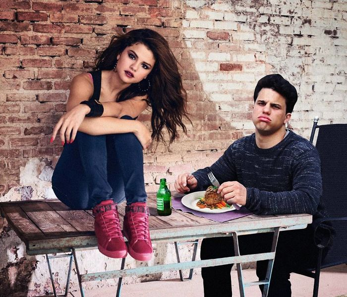 average rob y selena gomez