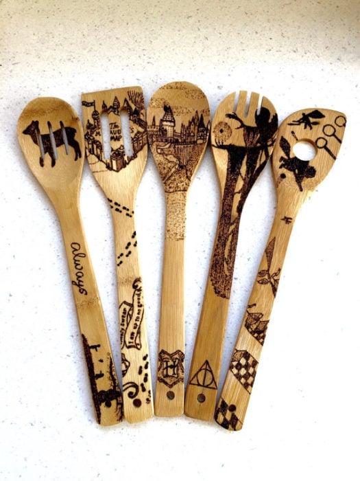 juego de cucharas