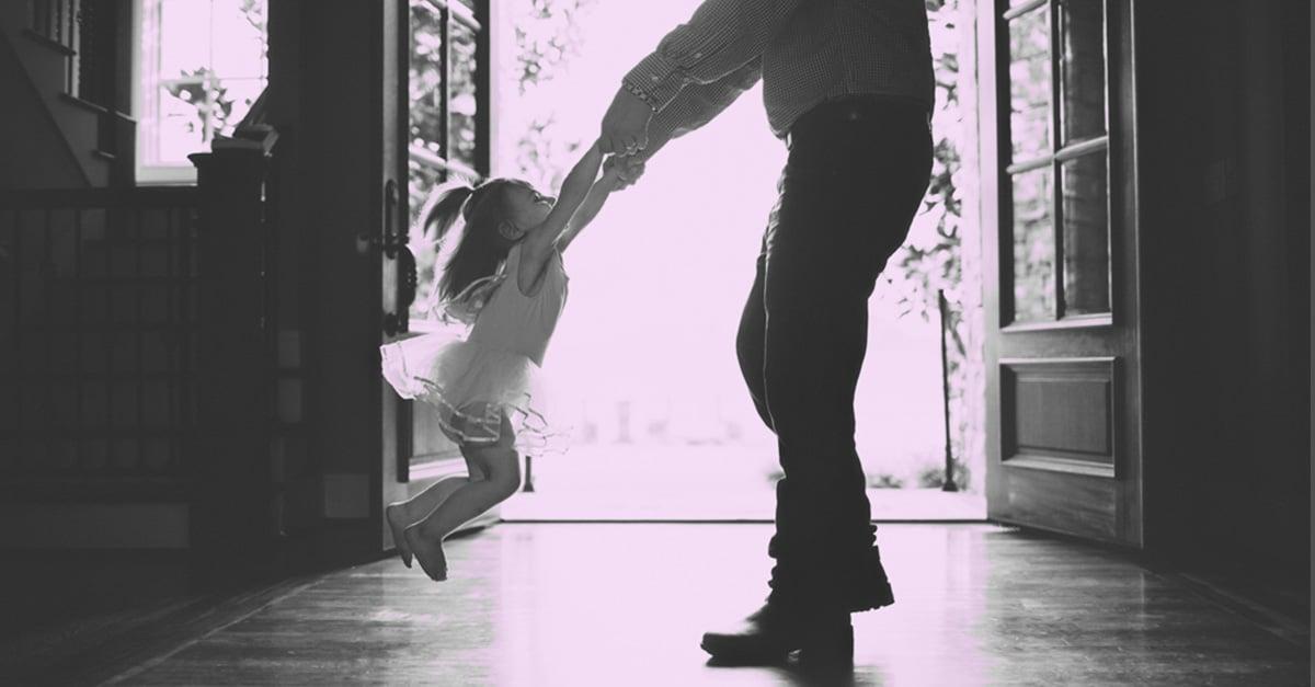 A mi papá que me cuida desde el cielo