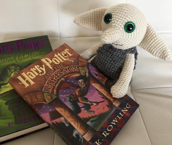 Dobby sostenedor de cuentos