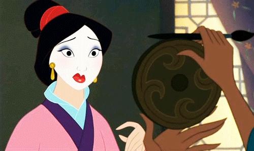 Mulan con el rostro blanco